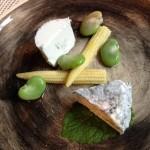 シェーヴルチーズ4種、クラムチャウダー、タルト・オ・フリュイ(Bienfait Café)×ロワールの泡&甘口、ブルゴーニュの赤