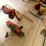 ゴールドラッシュのリゾット 黒トリュフ風味、もち豚と野菜のグリル×北イタリアの微発泡赤(Gene Dining)