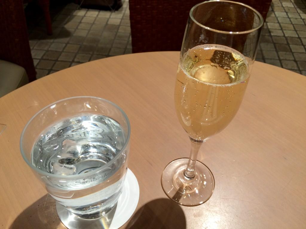 グラススパークリングワイン850円