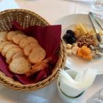 フロマージュ各種×ブルガリアのメルロー(「ワイン飲みつつ英会話」の会)
