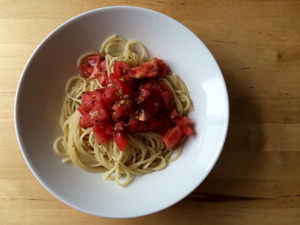 フレッシュトマトの冷たいパスタ