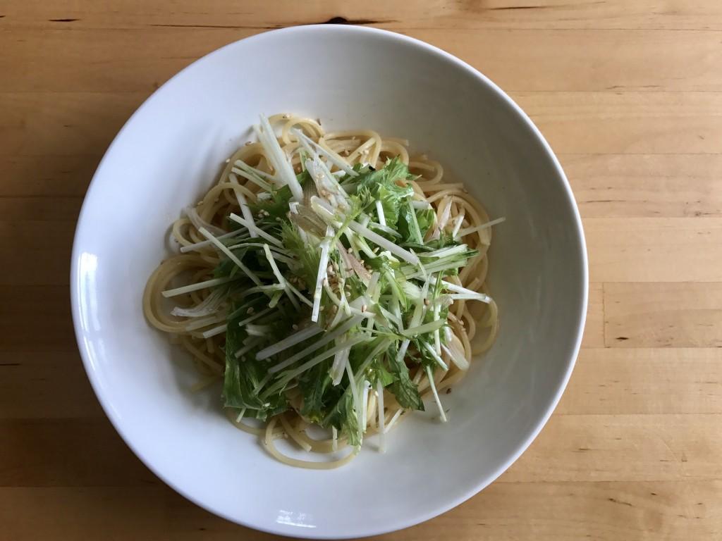 水菜とみょうがの梅パスタ
