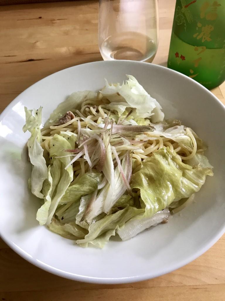 レタスとツナのスパゲティ × 2016 龍眼 信濃ワイン
