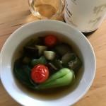 【レシピブログ】野菜のピリ辛スープ × 山梨の甲州