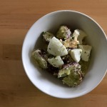 【レシピブログ】さつまいもとたまごのサラダ × 山梨の甲州