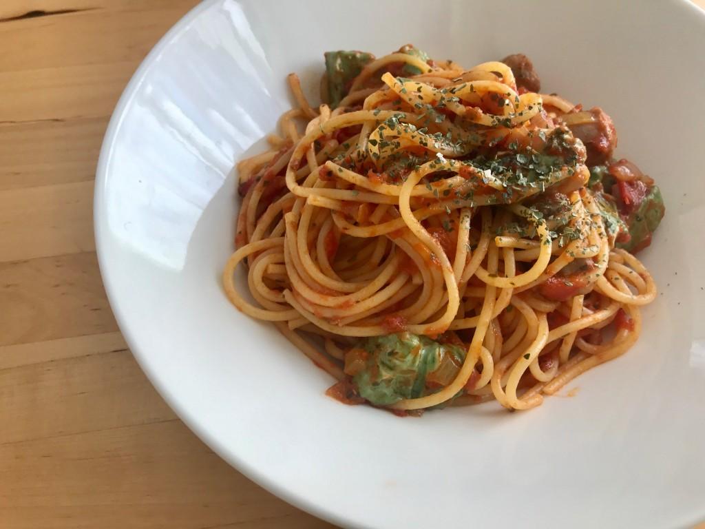 キャベツとサルシッチャのトマトソーススパゲティ