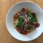 【レシピブログ】トマトとプロシュートのパスタ レモン風味 × フランスのロゼ