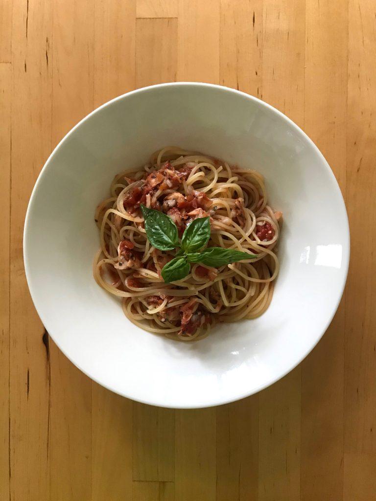 トマトとツナの冷製パスタ